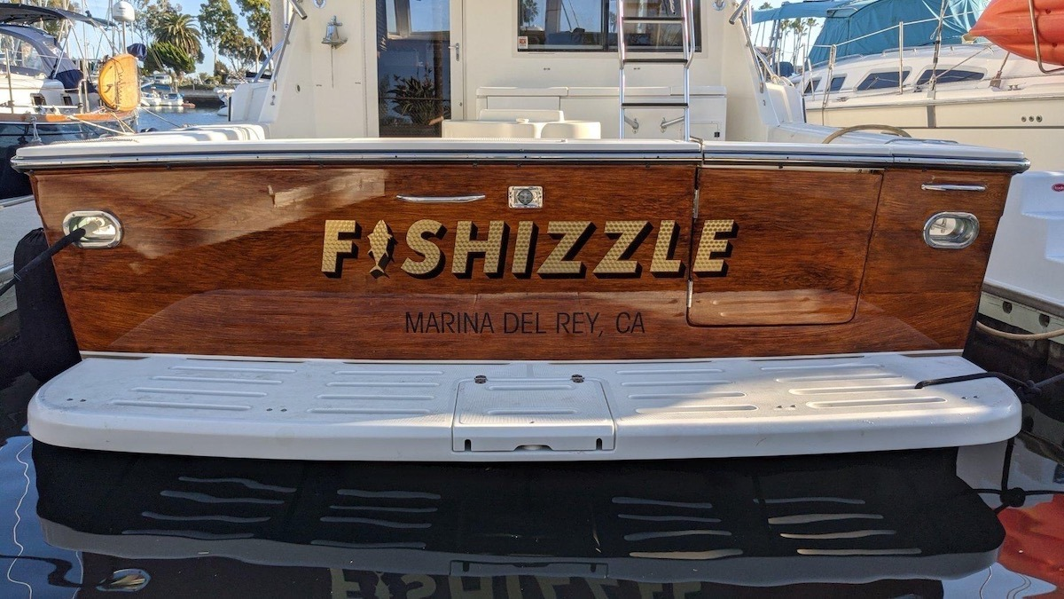Fishizzle Faux wood transom